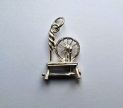 Sterling Silver spinning wheel charm 1.4g